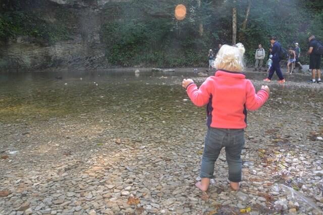 Wandelen in de Jura - Pootje baden bij de watervallen van Hérisson